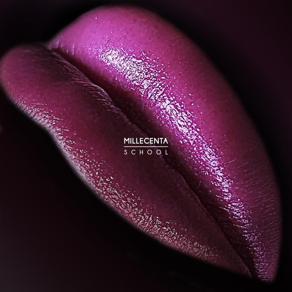 Гламурный перманентный макияж губ